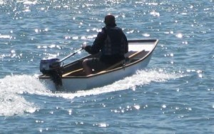 grp_nesting_pram_dinghy_under_power