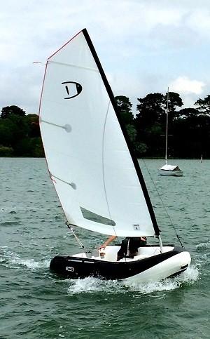 DG-Orca-325-sailing