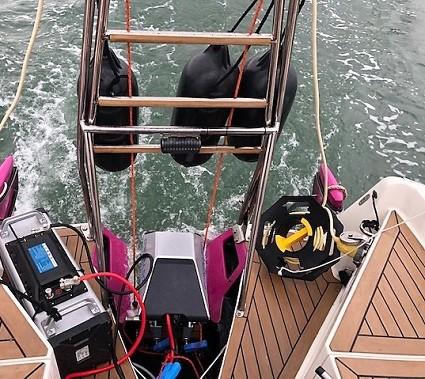 Eprop Navy 3 on 26ft yacht