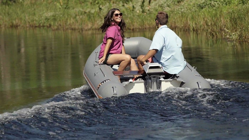 Eprop Navy 3 lifestyle 2 web